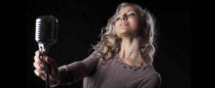 Hvad er forskellen på at tale og synge?